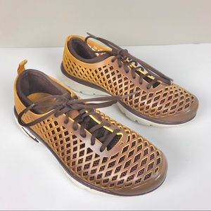 NIKE 08 Rejuven8 Sneakers Athletic Shoe Gold Brown
